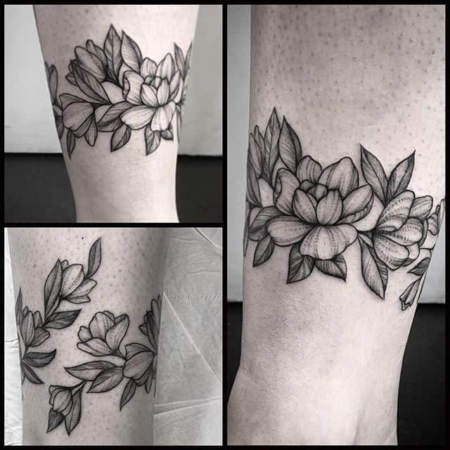Freehand florals by Caterina done during her guest spot with us!