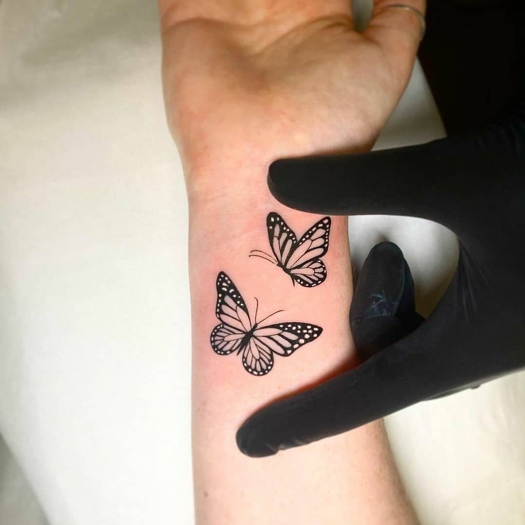 A couple of butterflies for Caroline!  Tattoo by our humble owner and universellemultikompetente Frau Noemi.  noemi_tattoo