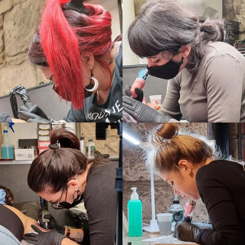 Four megababes hard at work this week. Liz, Noemi, Marta and Alice!   lizminellitattoo  noemi_tattoo  marta_atzeni_tattoo  oneskinnyleg